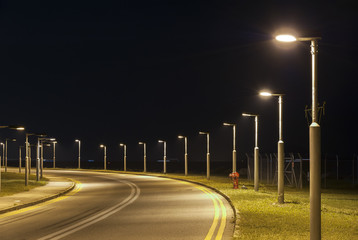 Empty street at night Fotomurales