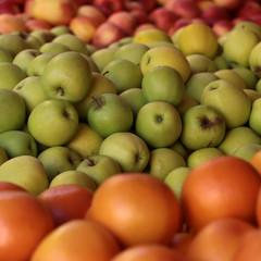Fresh apples and grape-fruit