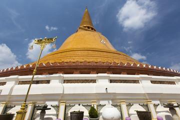 タイ国ナコーンパトムの仏塔プラ・パトム・チェディ