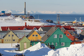 Longyearbyen, Spitsbergen (Svalbard). The view through the houses