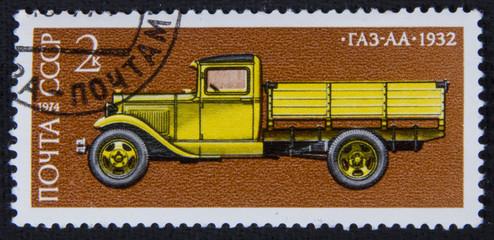 Почтовая марка СССР с изображением автомобиля ГАЗ-АА, 1974 год