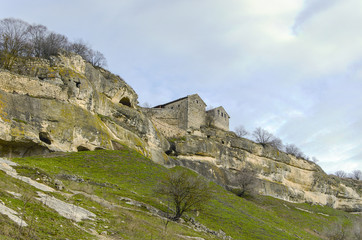 ancient cave city