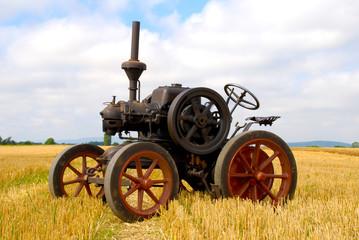 Traktor Antik