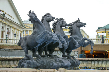 Sculpture of the jumping horses in Aleksandrovsk to a garden in the city of Moscow