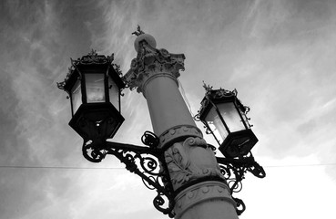 Beautiful street lights on the background of sky and trees Fotomurales