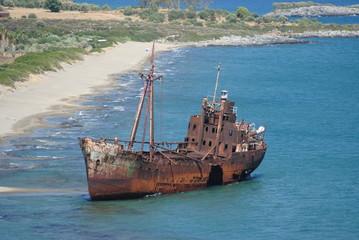 relitto di una nave arenata