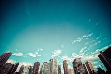 Obraz ビル群と青空,ローアングル, - fototapety do salonu