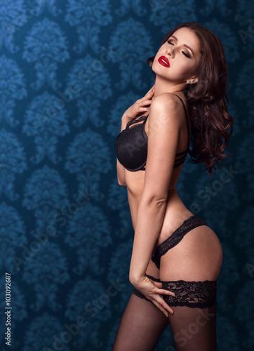 boobs-naked-female-models-brunette-pics-sex