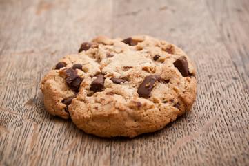 Cookies sur vieille table en bois
