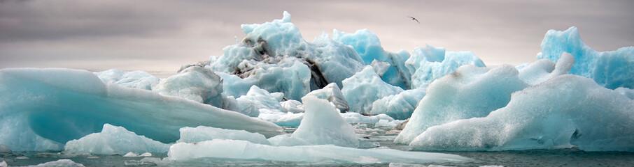 Zelfklevend Fotobehang Gletsjers Jokulsarlon, glacier lagoon, Iceland