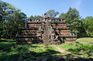 The celestial temple Phimeanakas is part of the royal palace Ang