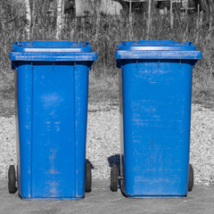Blue reecycle bin