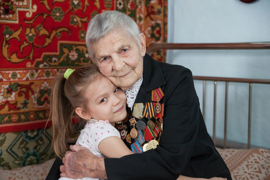Great-grandmother - a veteran of World War II, and her great-granddaughter