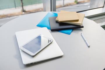 カップ 文庫本 タブレット ペン ノートパソコン