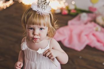 A child eats a Lollipop on a stick 5398.