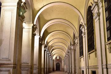 Portici notturni a Torino