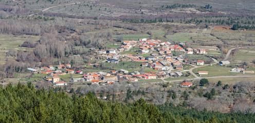 Pueblo de Boya desde Peña Castillo. Sierra de la Culebra, Zamora.