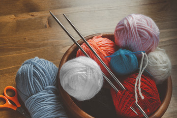 Threads for knitting with spokes