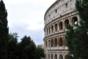 coliseum,symbol of the Roman Empire on the building of the statue against the sky