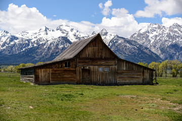 Old Mormon Barn in the Tetons / The Moulton Barn and the Teton Mountain Range in Grand Teton National Park, Wyoming.