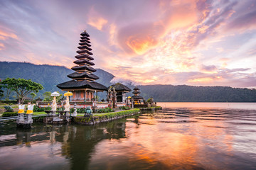 Printed kitchen splashbacks Bali Pura Ulun Danu Bratan, Famous Hindu temple and tourist attraction in Bali, Indonesia