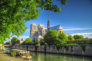 otre Dame de Paris