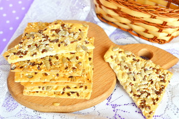 Crunchy cookies with sunflower and flax seeds
