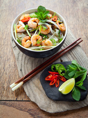 Pho Thom Yum, Vietnamese spicy prawn noodle