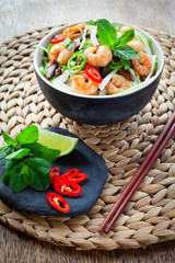 asian prawn noodle