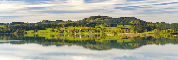 Wall Mural - Panorama Landschaft in Bayern im Allgäu mit Forggensee