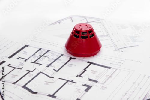 rauchmelder mit geb udeplan stockfotos und lizenzfreie bilder auf bild 103773091. Black Bedroom Furniture Sets. Home Design Ideas