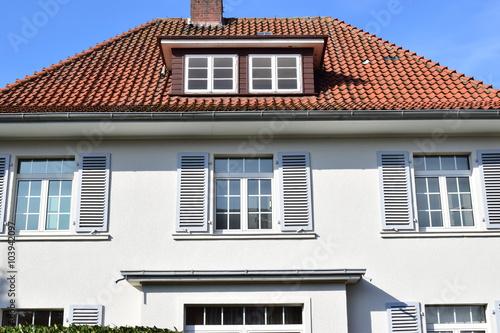 Einfamilienhaus 30er jahre stockfotos und lizenzfreie for Villa einrichten