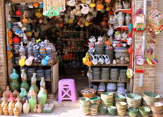 Isfahan - Keramikstand auf dem Basar