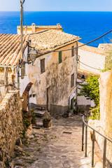 Wall Mural - Altes Berg Dorf Haus Uralt Rustikal Mediterran mit Meerblick