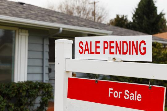 Sale Pending Real Estate Sign