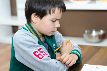 Kind beim Lernen
