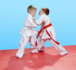 Judo sparring in perfoming young athletes