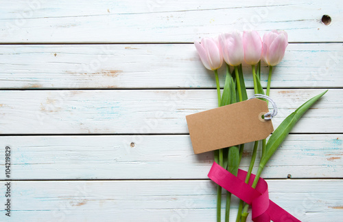 Flowers with blank gift tag