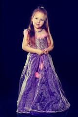 Ein Mädchen als Prinzessin bei Karneval