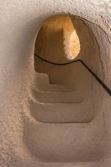 wendeltreppe in den höhlen von bamiyan