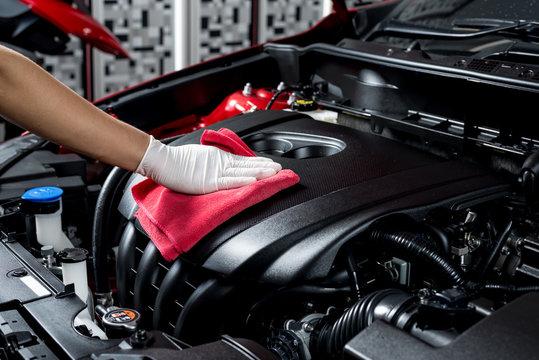 Car polishing series : Cleaning car engine