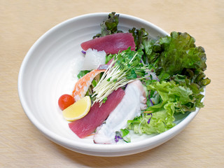 japanese fresh seafood salad