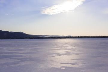 朝の雪の大地