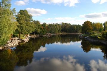 Friedlicher Fluss in Schweden