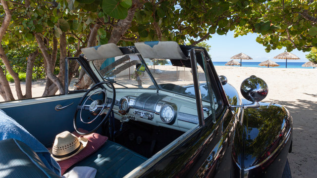 Oldtimer am Strand | Kuba