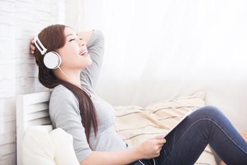 listen music in digital tablet