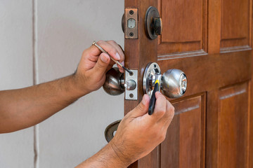 locksmith have to fix silver knob