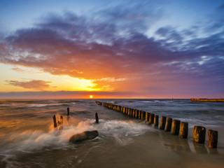 Fototapeta Piękny zachód słońca nad morzem obraz