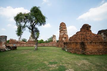 タイ・アユタヤの遺跡群