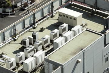建物 設備 ビルの屋上 空調室外機 電力変電設備 イメージ